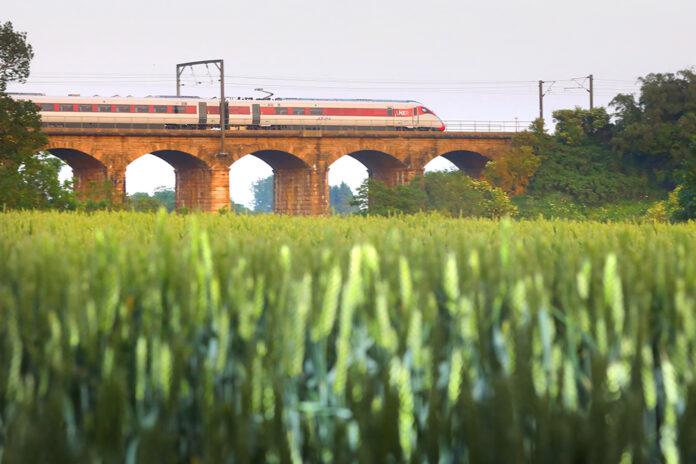 LNER Azuma on route